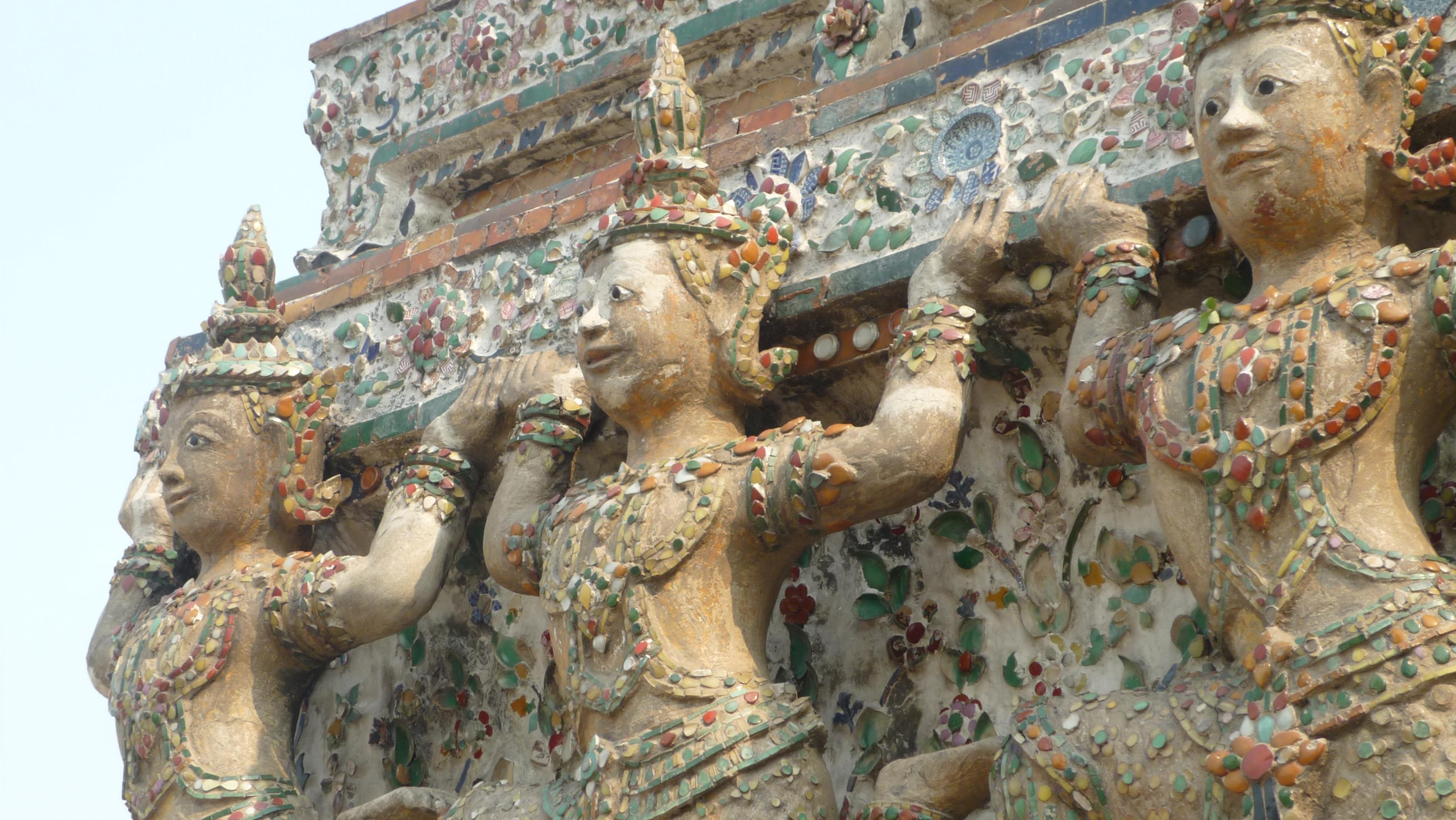 détails du temple de wat arun, bangkok