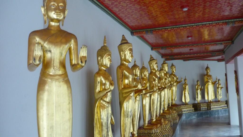 statues wat pho bouddha