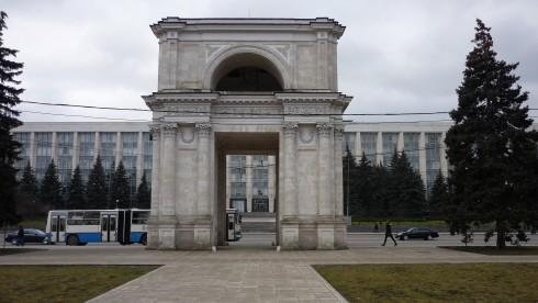 Arc de triomphe - visiter chisinau