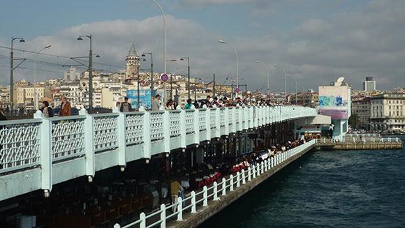 pecheurs-bosphore-istanbul