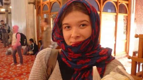 porter le voile à la Mosquée Bleue