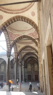 Couloirs de la Mosquée Bleue à Istanbul