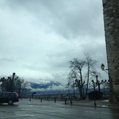 château de villy au milieu des alpes