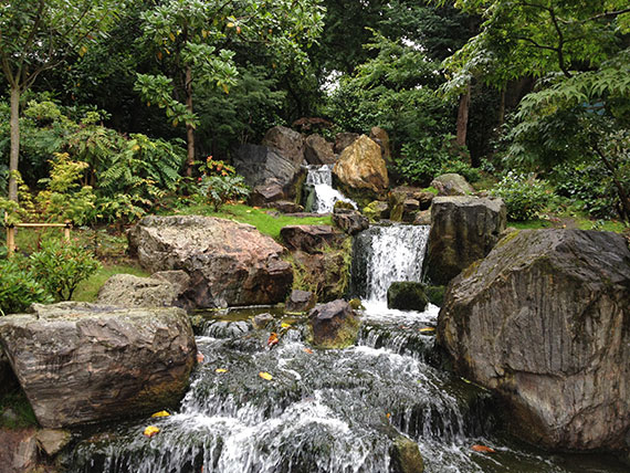 cascade-holland-park