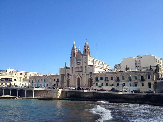 eglise-spinola-bay