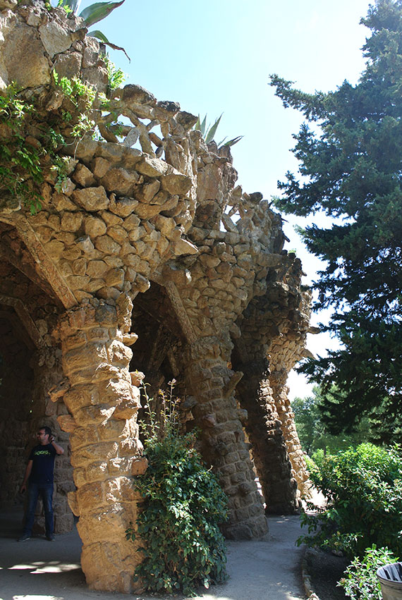 colonnes-parc-guell-barcelone