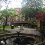 Une visite insolite à Londres: Postman's Park
