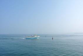 ferry-quittant-torquay