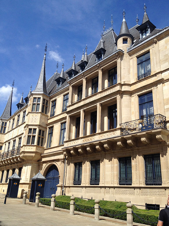 palais-des-ducs-luxembourg