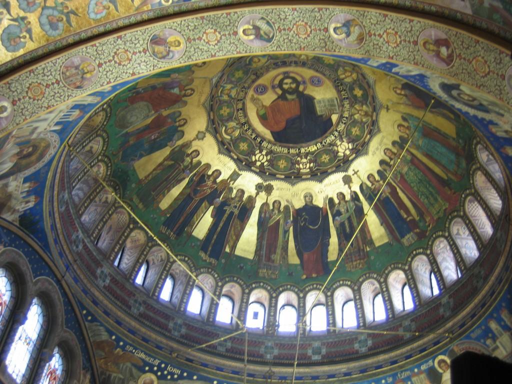 Intérieur de la coupole d'une église à Sibiu