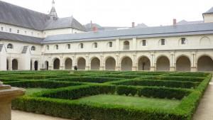 Abbaye de Fontevraud - le cloître