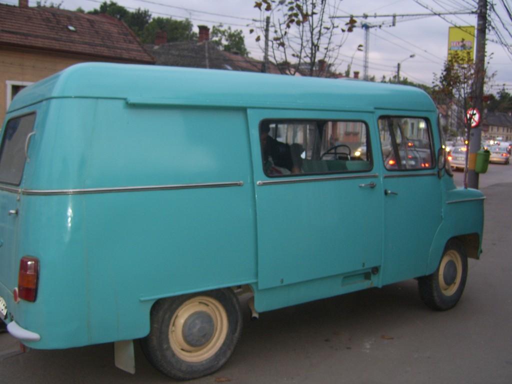 Le van ayant transporté les étudiants