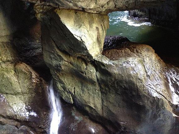 chutes-eau-grotte-skocjan