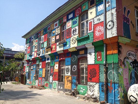 facade-metelkova