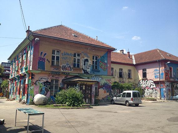 maison-metelkova