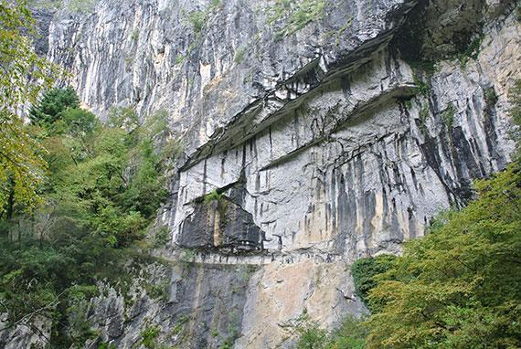 rochers-grottes-skocjan