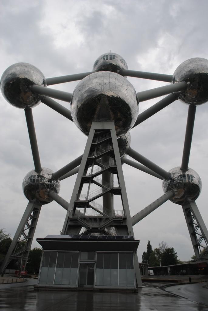 structure atomique bruxelles art
