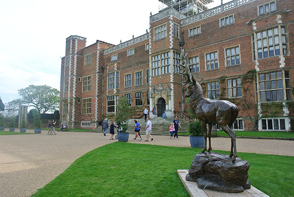 cour-hatfield-house