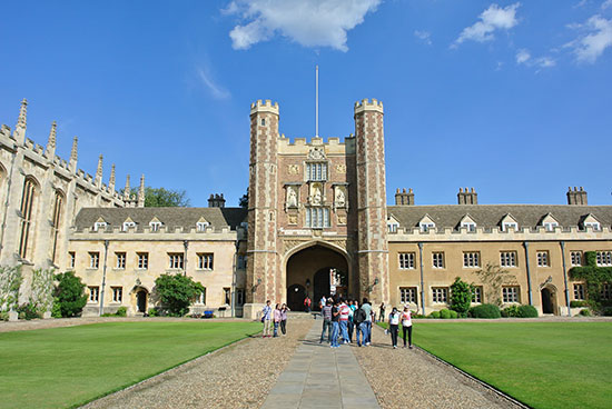 cour-universite-cambridge