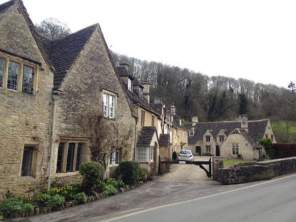 village-castle-combe