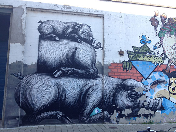 three-pigs-roa-gent