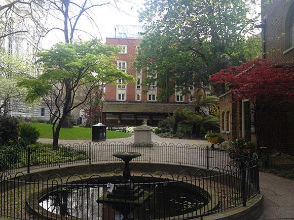 postmans-park-fontaine
