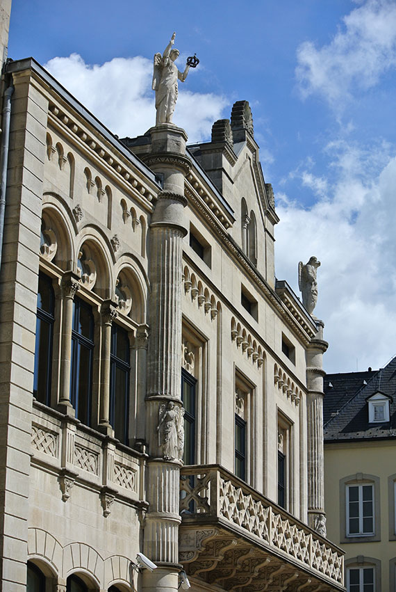 facade-palais-ducs