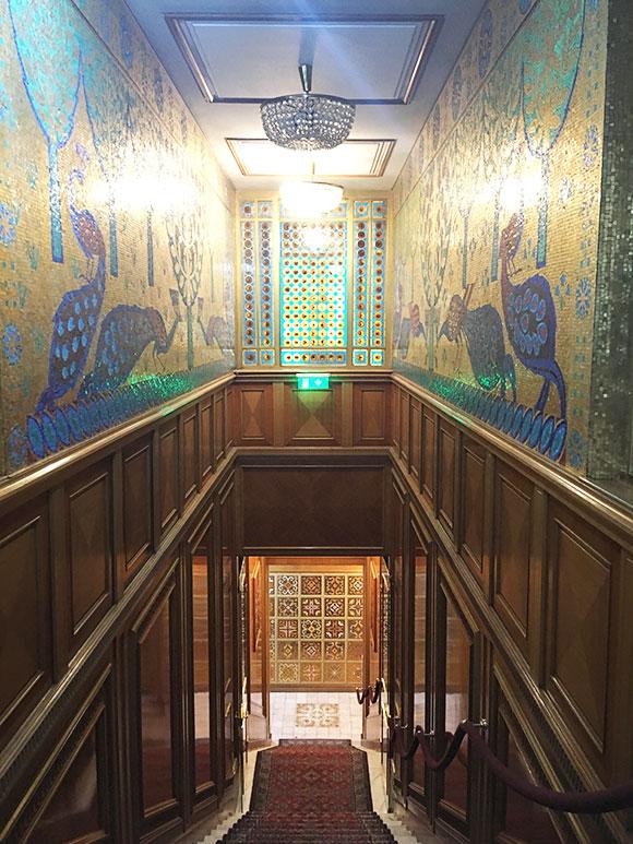 couloirs-maison-ceaucescu